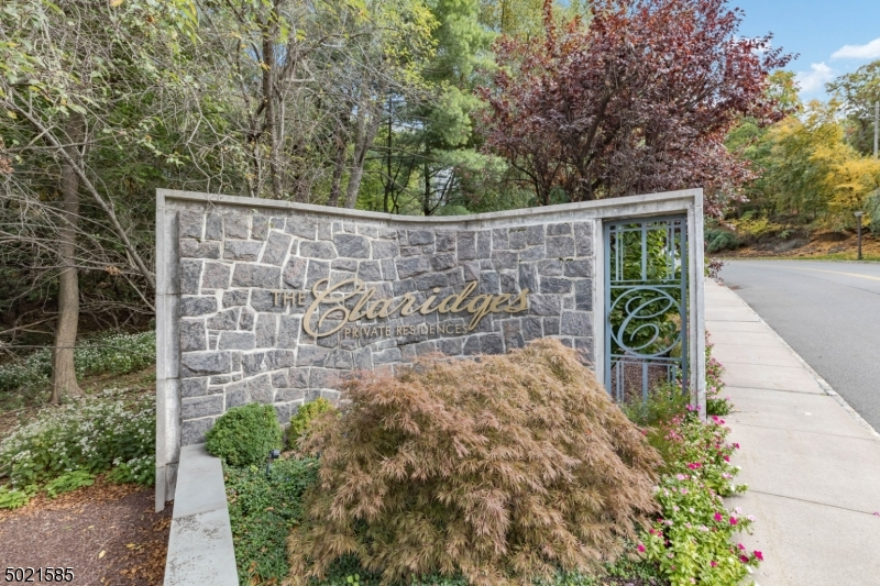 Property for sale at 1 Claridge Dr 900 Unit: 900, Verona Twp.,  New Jersey 07044
