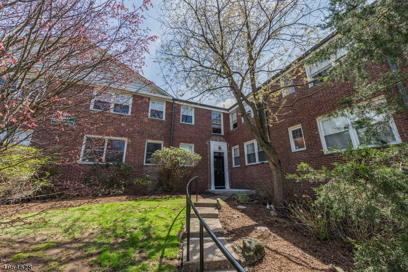 Property for sale at 349 Bloomfield Ave 53 Unit: 53, Verona Twp.,  New Jersey 07044