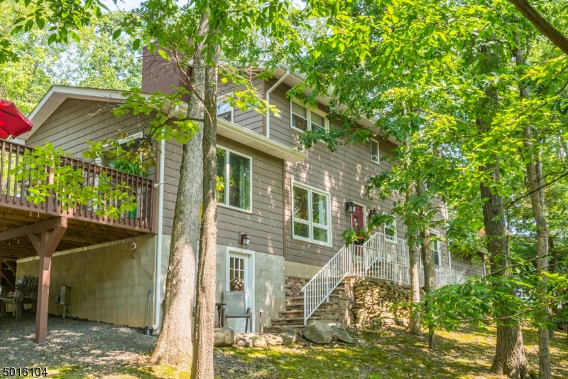Property for sale at 14 Woodmere Rd, Cedar Grove Twp.,  New Jersey 07009