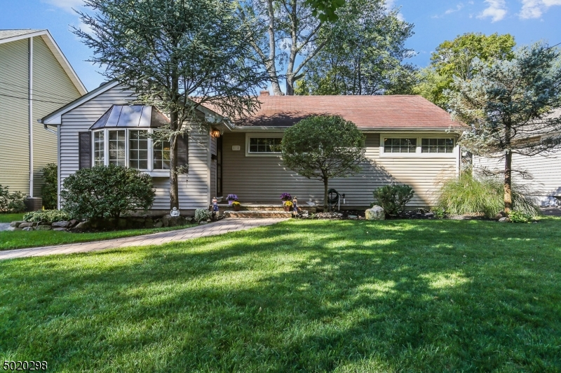 Property for sale at 85 Hollywood Ave, Metuchen Boro,  New Jersey 08840