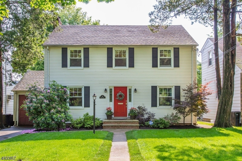 Charming Brookdale Colonial