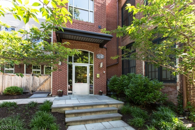 Property for sale at 25 Clark St Unit: 206, Glen Ridge Boro Twp.,  New Jersey 07028