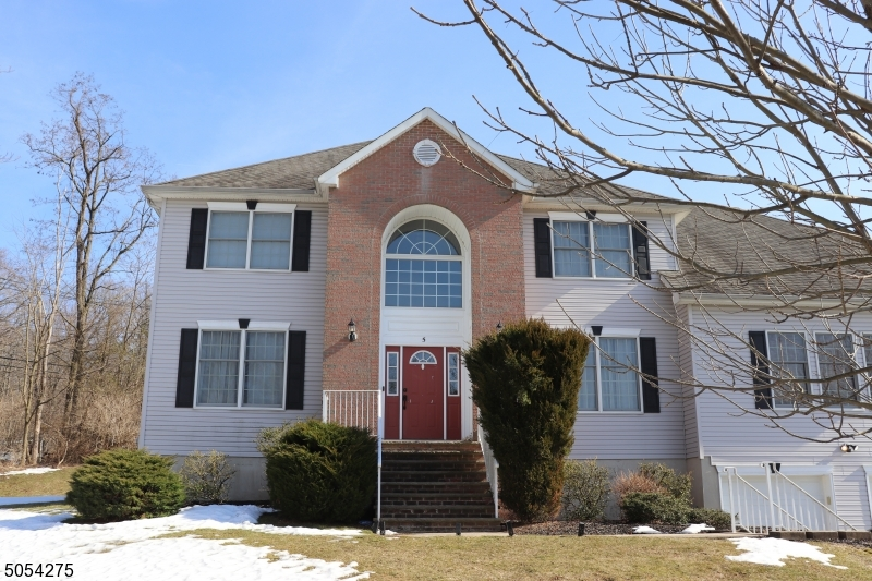Property for sale at 5 Januson Ct, West Orange Twp.,  New Jersey 07052