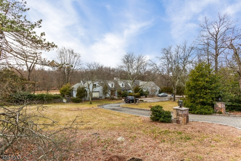 Property for sale at 16 E Greenbrook Rd, North Caldwell Boro,  New Jersey 07006