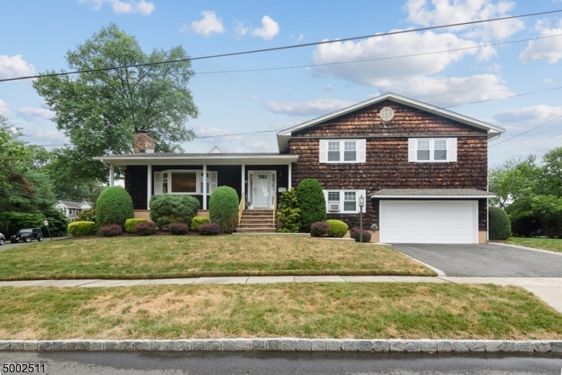Property for sale at 4 Maple Pl, Nutley Twp.,  New Jersey 07110