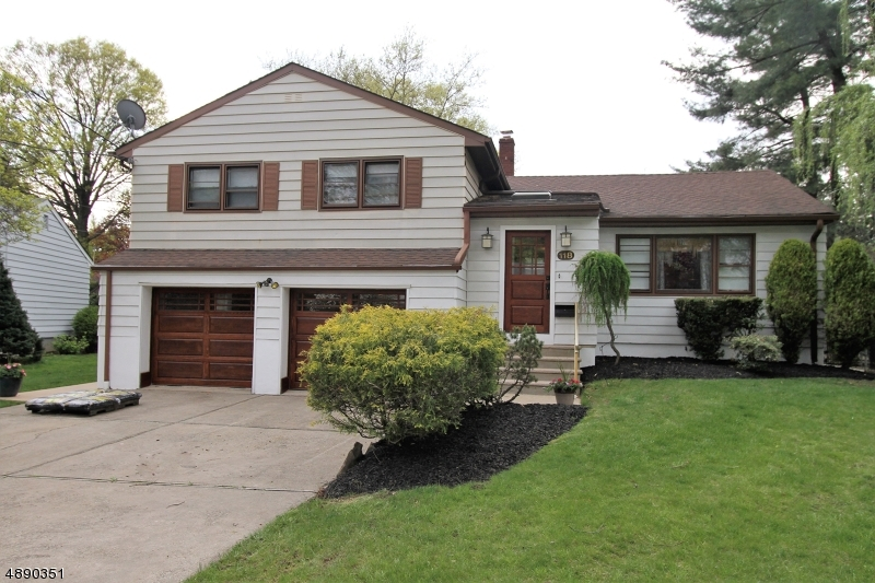3 Bed Split Level Colonial