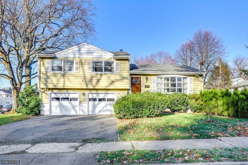 Property for sale at 9 Skyview Rd, Bloomfield Twp.,  New Jersey 07003