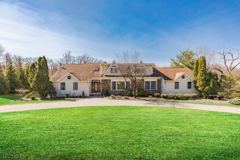 Property for sale at 14 E Greenbrook Rd, North Caldwell Boro,  New Jersey 07006