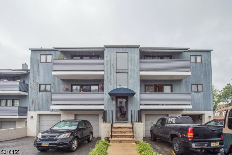 Property for sale at 4 Domessina Ln Unit D1 Unit: D1, Caldwell Boro Twp.,  New Jersey 07006