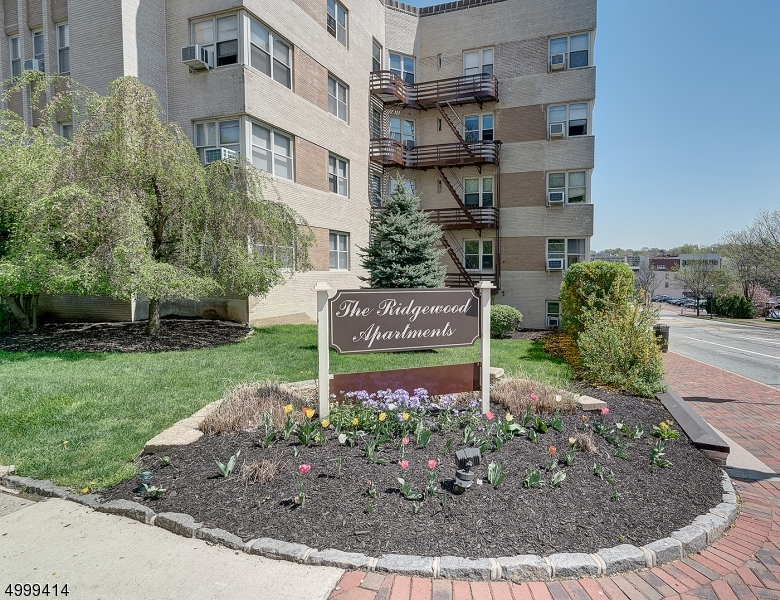 Property for sale at 10 N Ridgewood Rd Unit: 103, South Orange Village Twp.,  New Jersey 07079