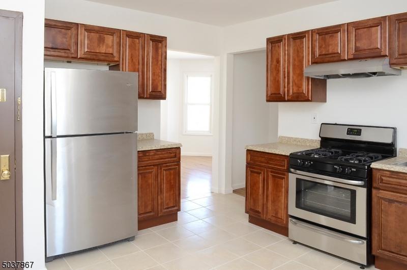 Property for sale at 101 2nd St Unit 2 Unit: 2, South Orange Village Twp.,  New Jersey 07079