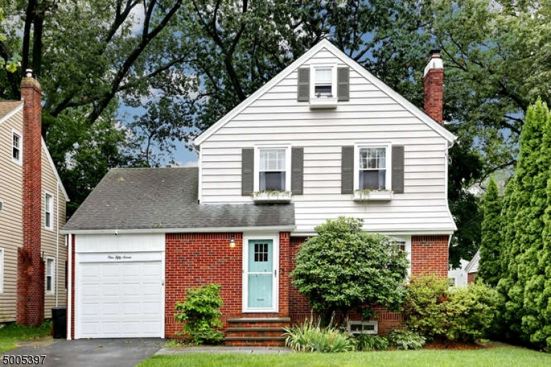 Property for sale at 157 Raab Ave, Bloomfield Twp.,  New Jersey 07003