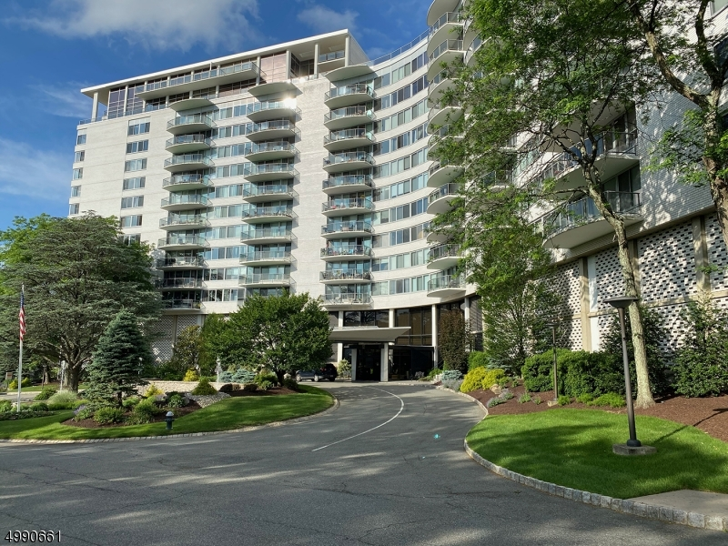 Property for sale at 1 Claridge Dr 217 Unit: 217, Verona Twp.,  New Jersey 07044