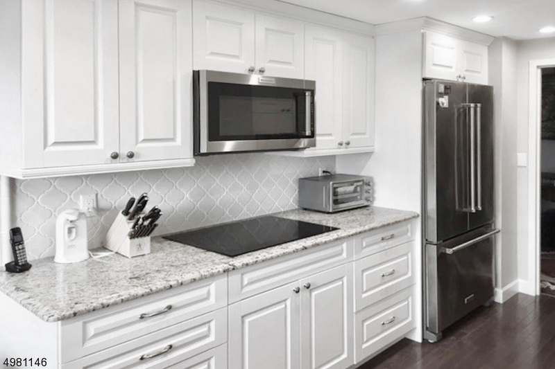 Property for sale at 2 Claridge Dr 1De Unit: 1DE, Verona Twp.,  New Jersey 07044