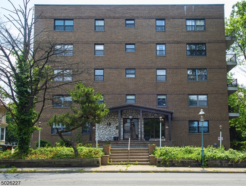 Property for sale at 18 Prospect Street-C4D Unit: 4D, South Orange Village Twp.,  New Jersey 07079