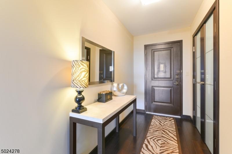 Property for sale at 2 Claridge Dr 12Ne Unit: 12NE, Verona Twp.,  New Jersey 07044