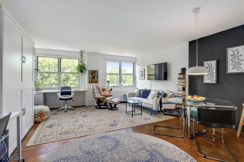 Property for sale at 926 Bloomfield Ave  5L Unit: 5L, Glen Ridge Boro Twp.,  New Jersey 07028