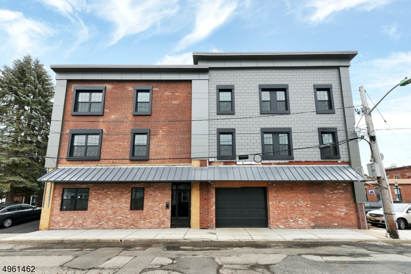 Property for sale at 8 Personette St, Unit 6 Unit: 6, Caldwell Boro Twp.,  New Jersey 07006