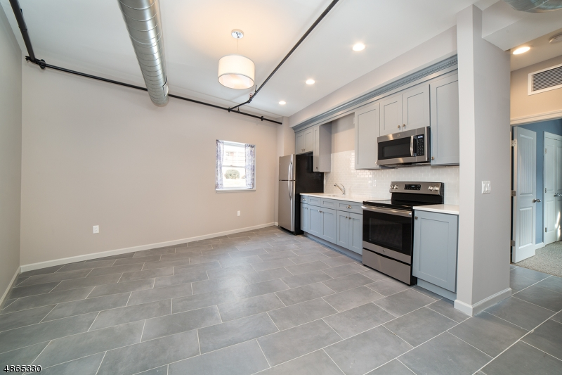 Property for sale at 115 Bloomfield Ave Unit: 2F, Caldwell Boro Twp.,  New Jersey 07006