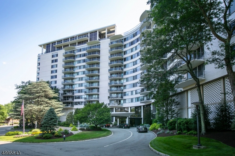 Property for sale at 1 Claridge Dr 323 Unit: 323, Verona Twp.,  New Jersey 07044