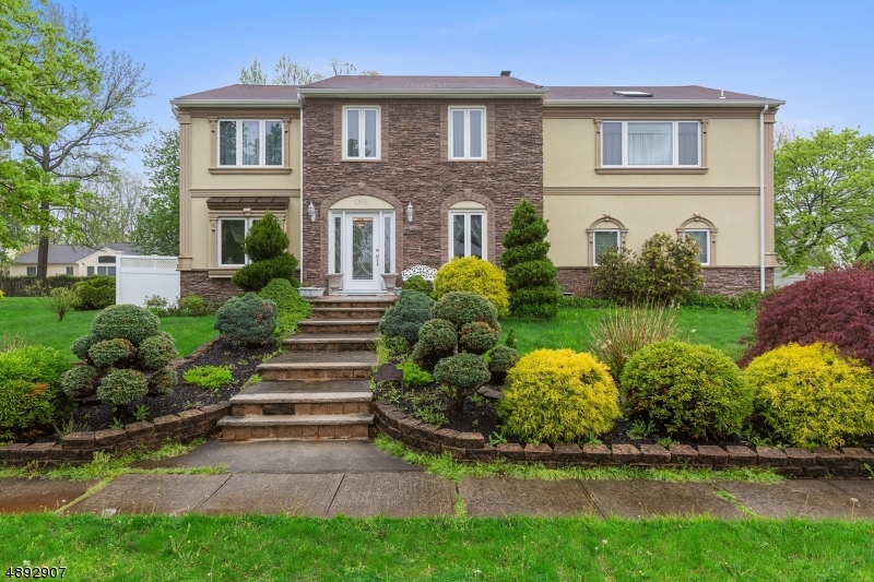 1 BENNINGTON DR Central Home Listings - Moretti Realty Central New Jersey Residential and Commercial Properties For Sale
