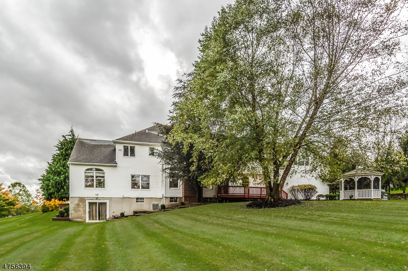 3 REGAL WAY, RARITAN TWP., NJ 08822  Photo