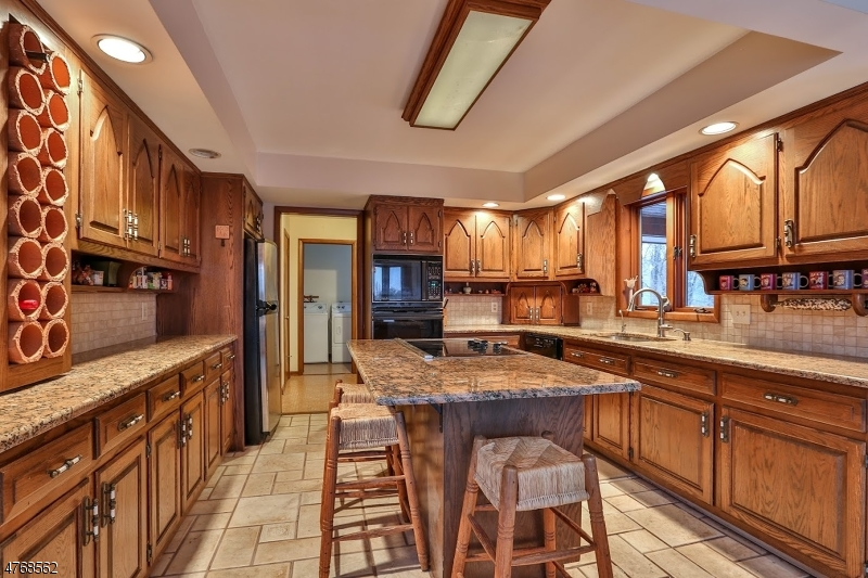 15 ROSE HILL CT, UNION TWP. - HUNTERDON, NJ 08827  Photo