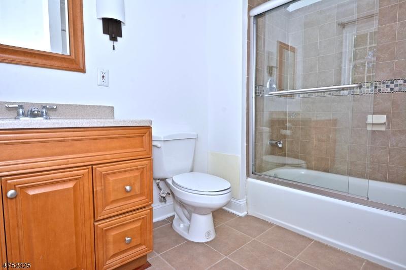 187 OLD CROTON RD, RARITAN TWP., NJ 08822  Photo