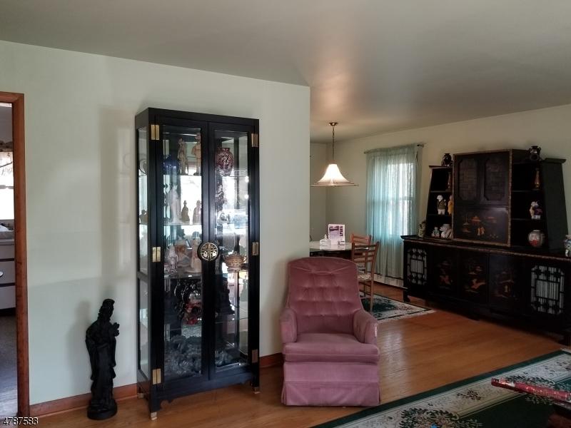 800 ALPS RD, WAYNE TWP., NJ 07470  Photo 2