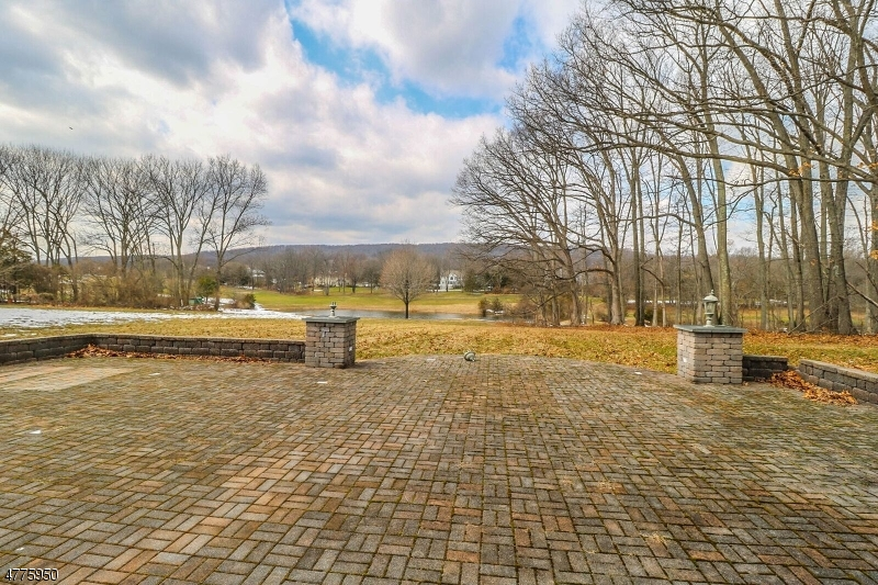 11 OVERLOOK ROAD, READINGTON TWP., NJ 08889  Photo